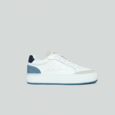 Majken Blue and White Trainer