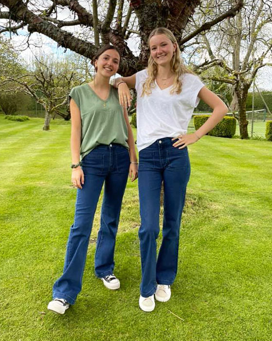 """My daughter Lucy is 5' 4"""" and wears a 26.Her friend Lily is 5' 8"""" and wears a 25."""